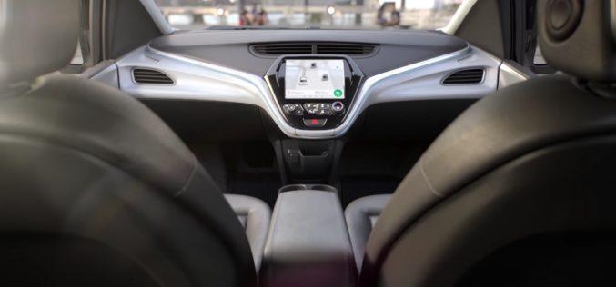 Ecco Cruise AV, l'auto senza pilota di General Motors