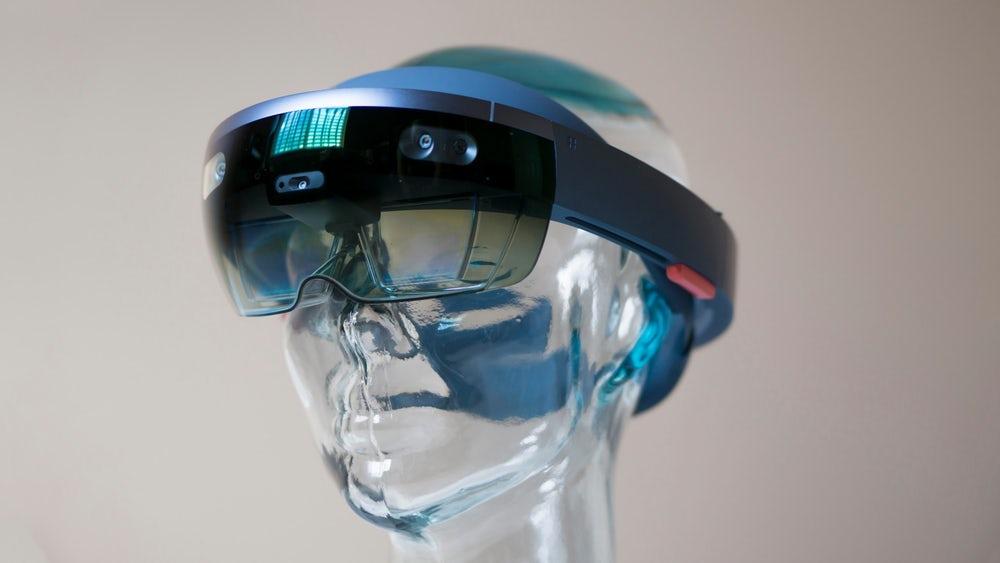 Microsoft è pronta a lanciare gli HoloLens 2