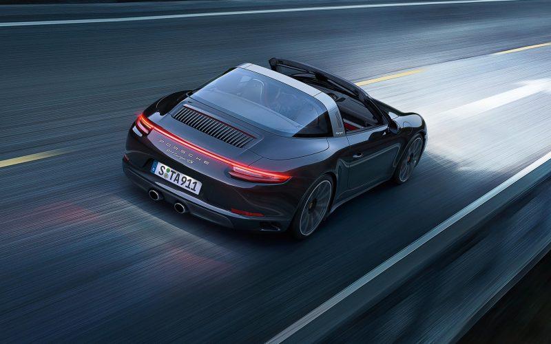 Porsche pensa ai taxi volanti