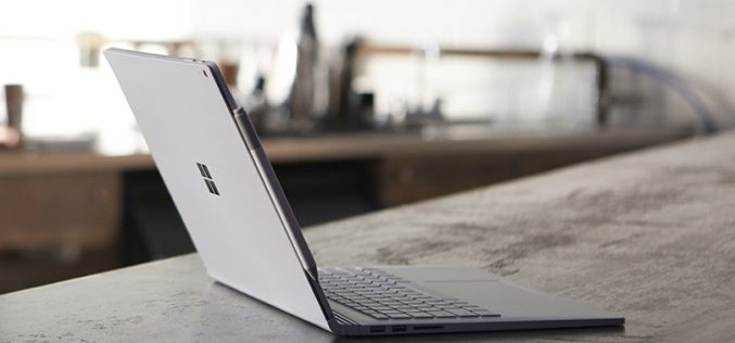 Arriva in Italia Surface Book 2