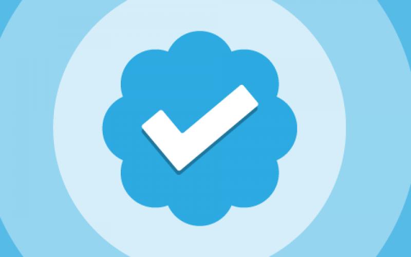Twitter pensa alla spunta blu per combattere le fake news