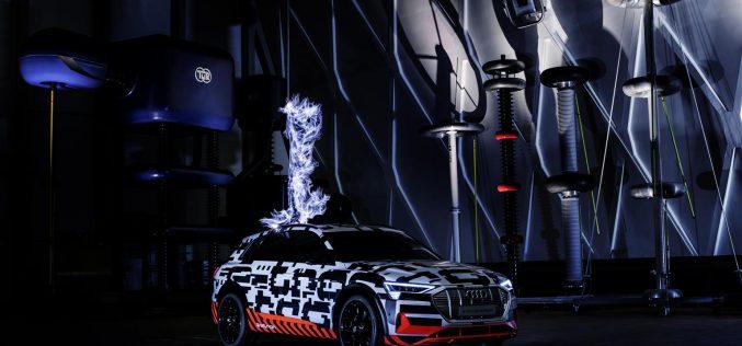 Massima tensione: il prototipo Audi e-tron nella gabbia di Faraday