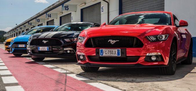 """Ford Driving University: """"si riaccendono i motori"""" dei corsi di guida sportiva dell'Ovale Blu"""