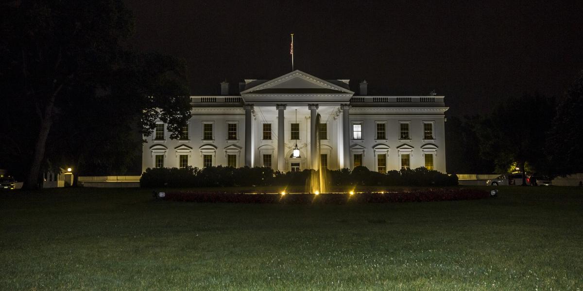 Attacco alle comunicazioni della Casa Bianca: cosa è successo