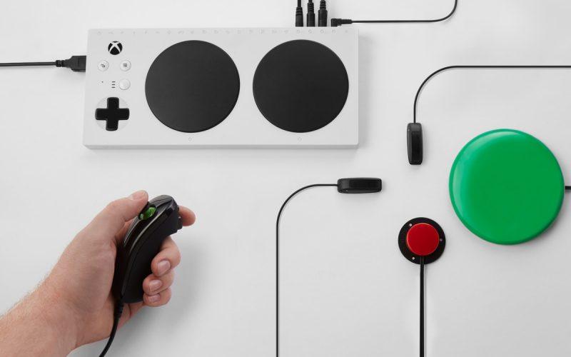 Microsoft presenta Xbox Adaptive Controller, il joypad per i portatori di handicap