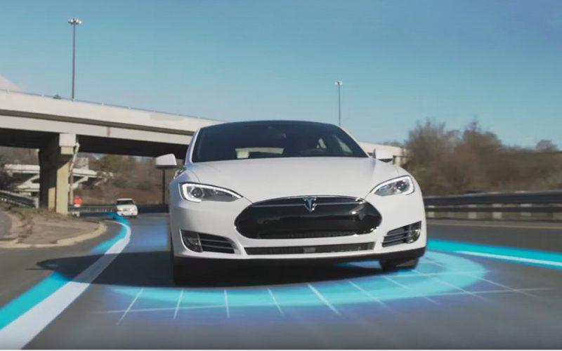 Tesla Roadster SpaceX Package, 10 razzi al posto dei sedili posteriori