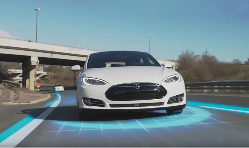 Tesla cala di prezzo, ora il modello base è accessibile