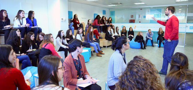 INDRA assumerà 150 giovani in Italia nel 2018
