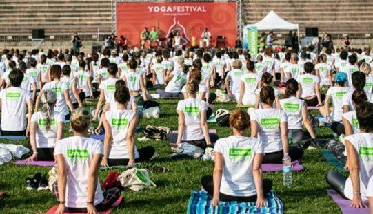 Flessibilità, prestazioni ed eleganza: lo Yoga Day di Lenovo