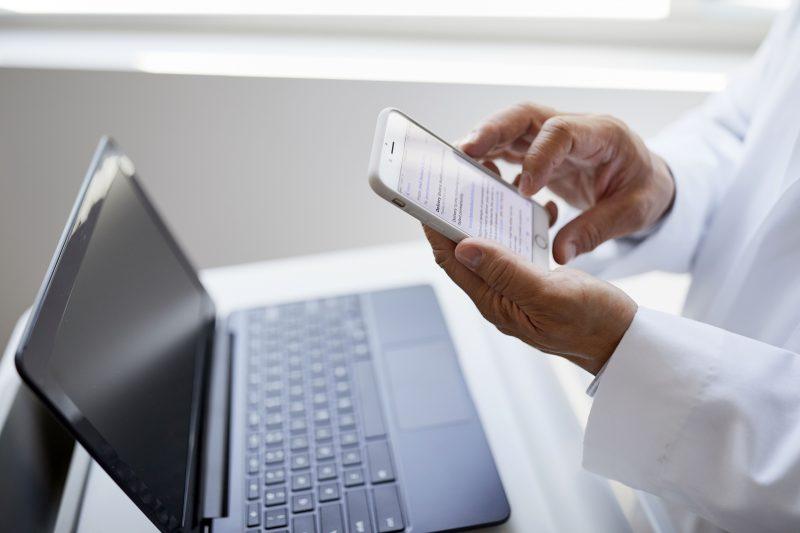 Apple, Google e Microsoft collaborano per fornire accesso digitale alle cartelle cliniche dei pazienti