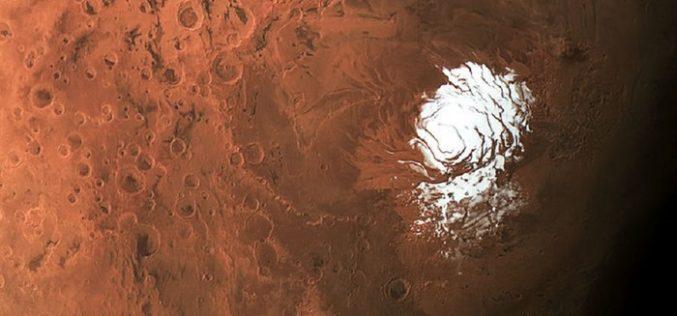 Marte, trovato un grande lago di acqua liquida e salata