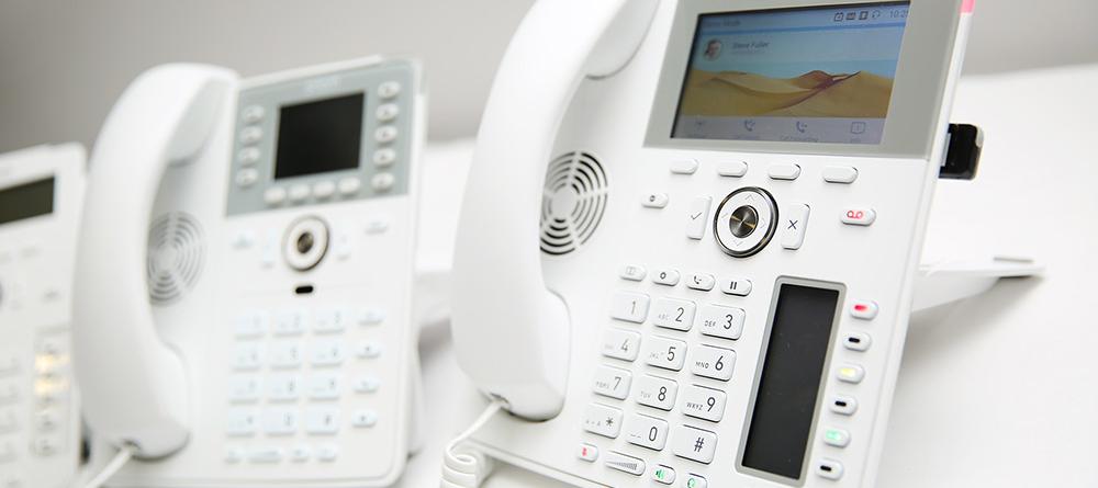 I nuovi telefoni IP da tavolo bianchi di Snom