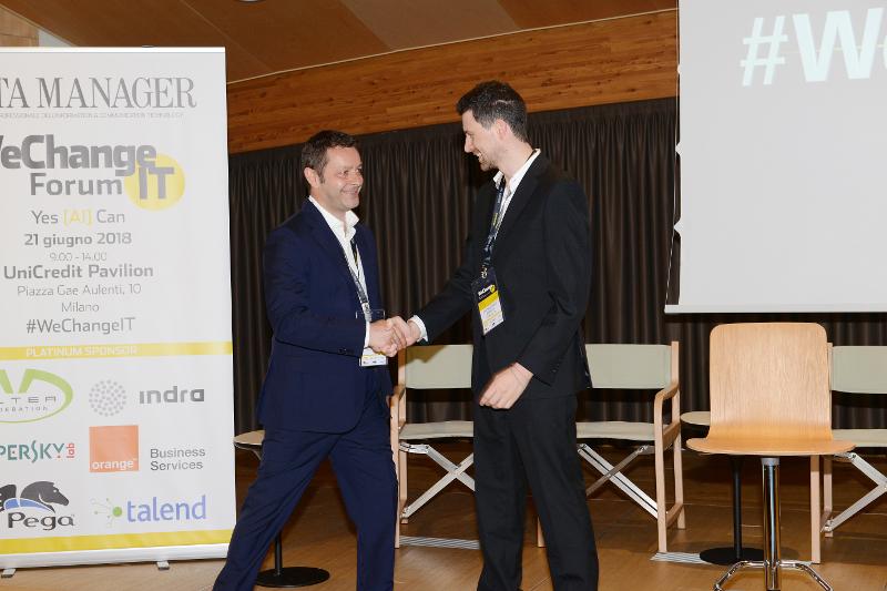 Antonio Simeone premiato per il contributo originale nella definizione di un nuovo approccio nel modo di gestire risparmi e investimenti