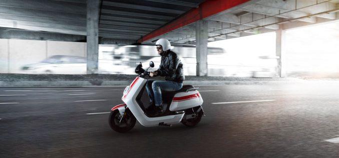 NIU vende online a livello globale i propri smart scooter elettrici