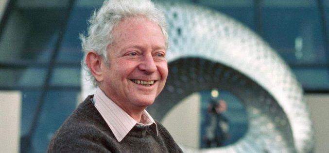 """Addio a Leon Lederman, il premio Nobel che coniò la definizione """"particella di Dio"""""""