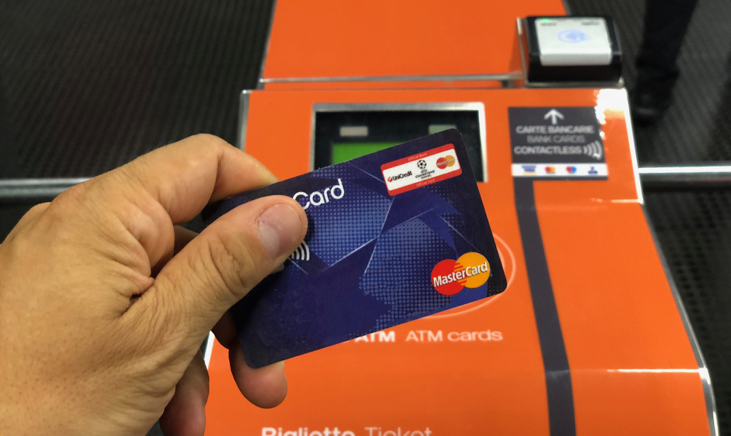 Smart mobility a Milano: il viaggio in metro lo paga MasterCard