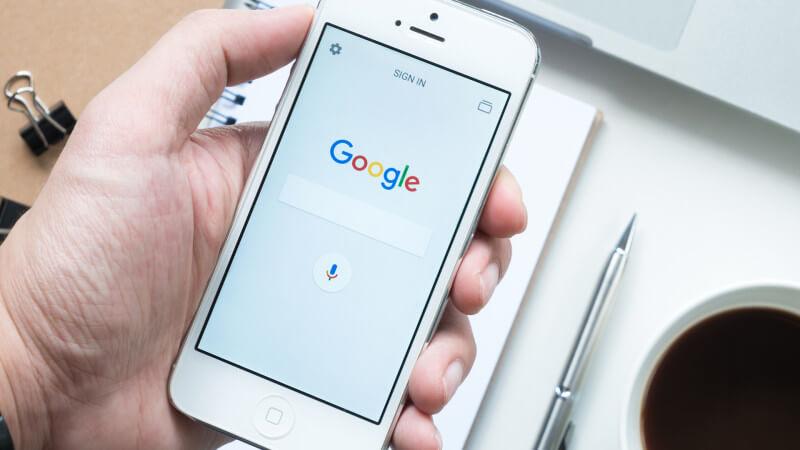 Perché Google paga miliardi di dollari ad Apple ogni anno