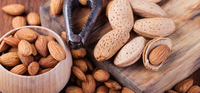 Diabete e colesterolo, le mandorle aiutano a tenerli lontani