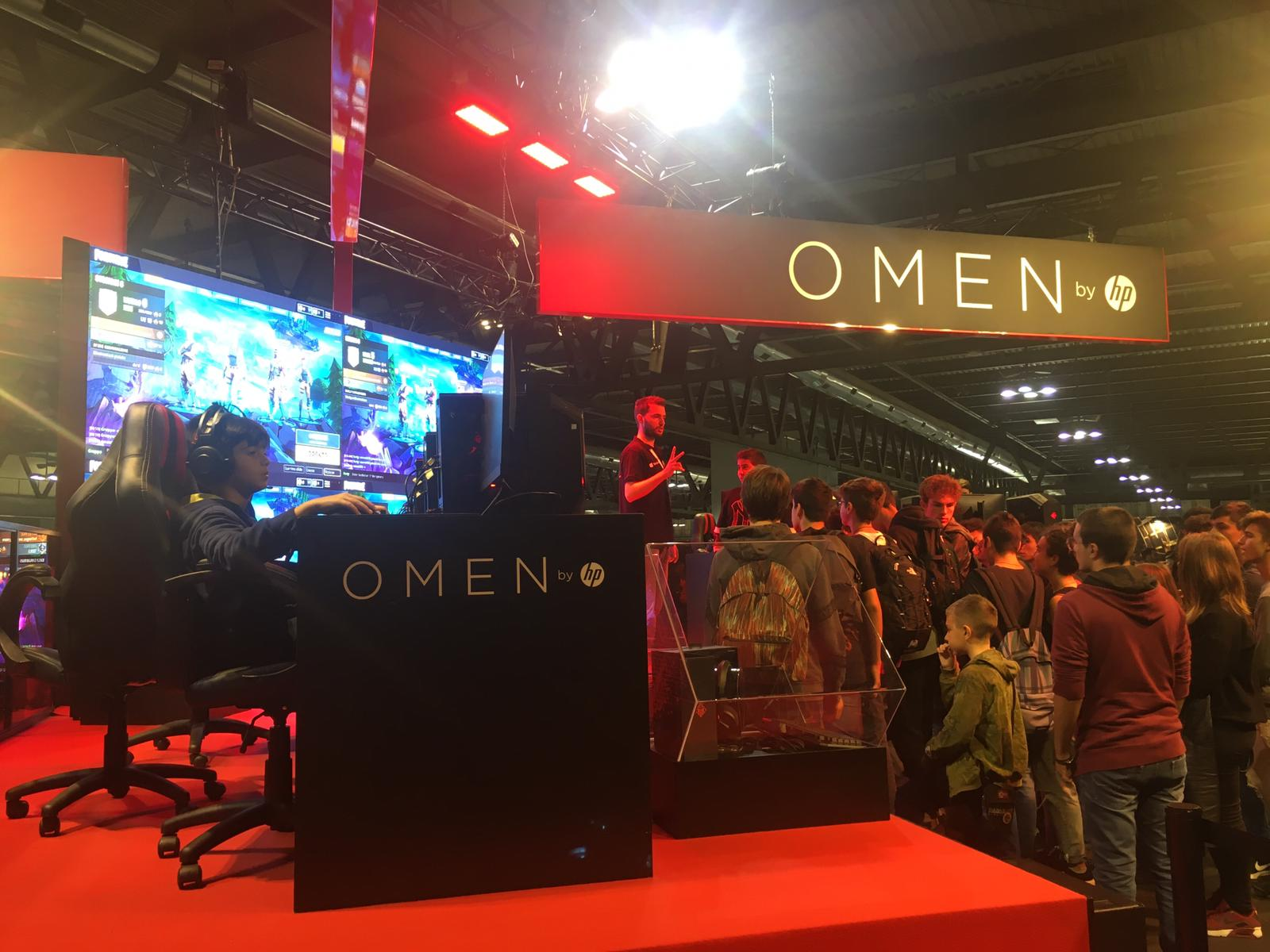 HP inaugura il suo stand a Milan Games Week 2018