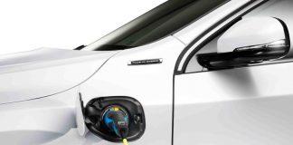 Perché i consumatori sono ancora restii ad acquistare un'auto elettrica