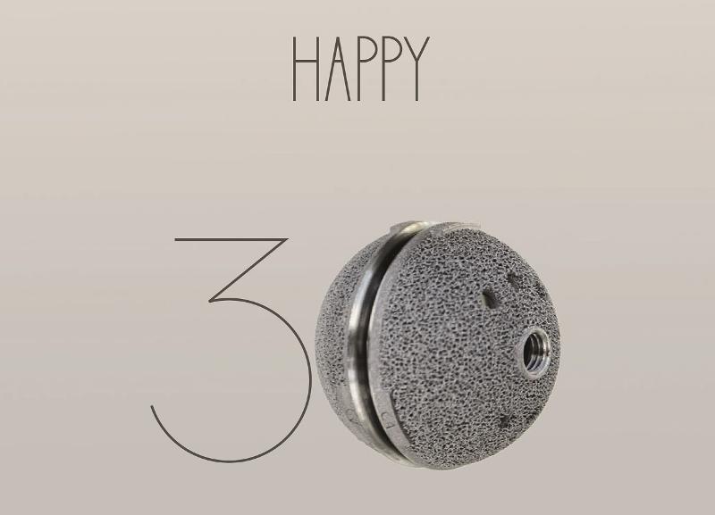 EOS: i 30 anni dell'azienda nel mondo e i 22 anni in Italia