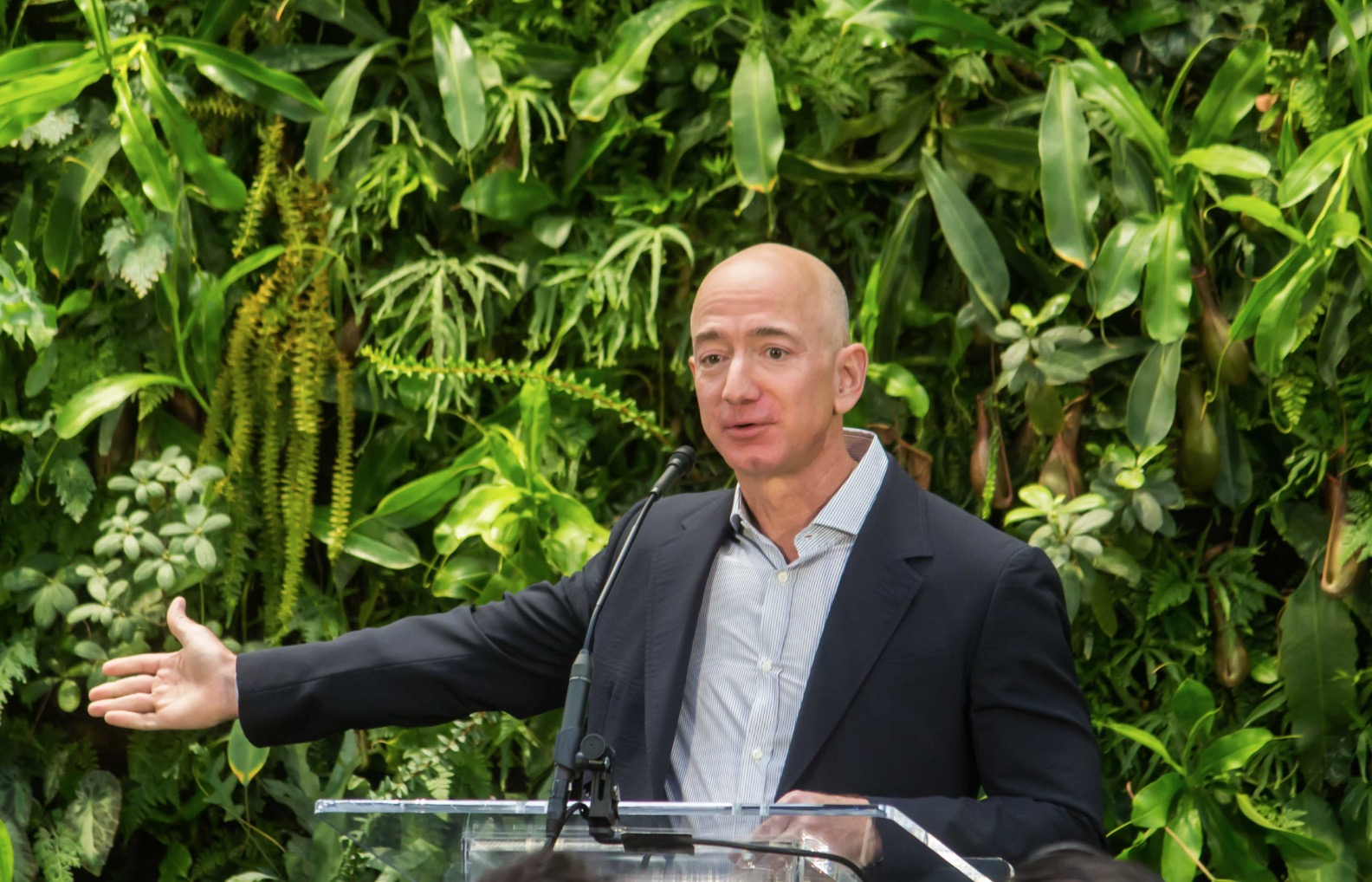 Amazon contribuisce ai 575 milioni di dollari raccolti da Deliveroodita