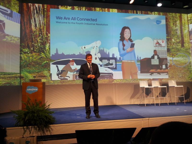 Salesforce adatta il suo service cloud ai nuovi canali di comunicazione digitale