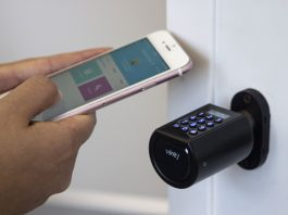 Con Vikey Lock la porta di casa si apre con il cellulare