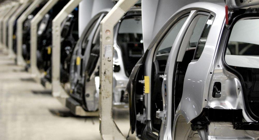 L'industria automobilistica accelera gli investimenti in smart factory