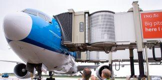 A Schiphol sbarco a tempo record grazie al primo jet bridge automatico