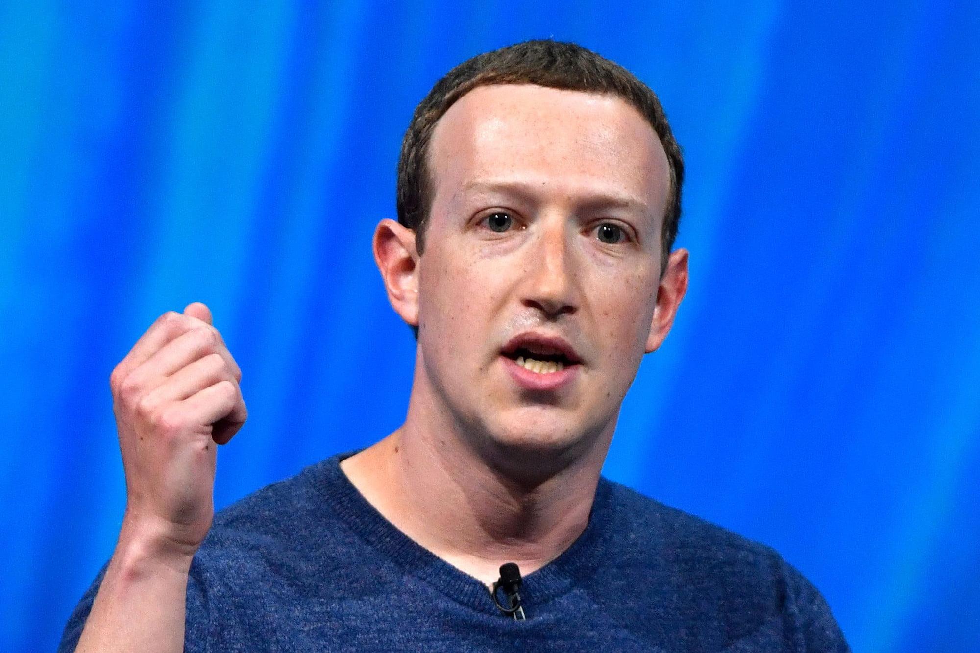"""Scandalo Facebook: """"Sceglie i profitti invece della sicurezza"""""""