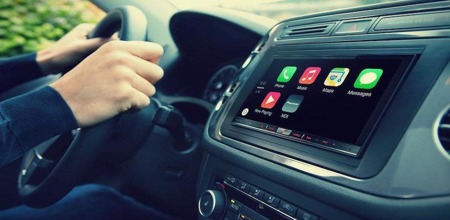 Entro tre anni il 95% degli automobilisti utilizzerà un assistente vocale in auto