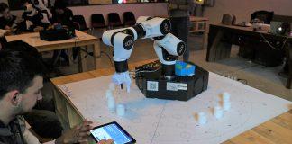 """Come programmare un robot: a """"Io, Robotto"""" Comau con e.DO e i suoi laboratori educativi"""