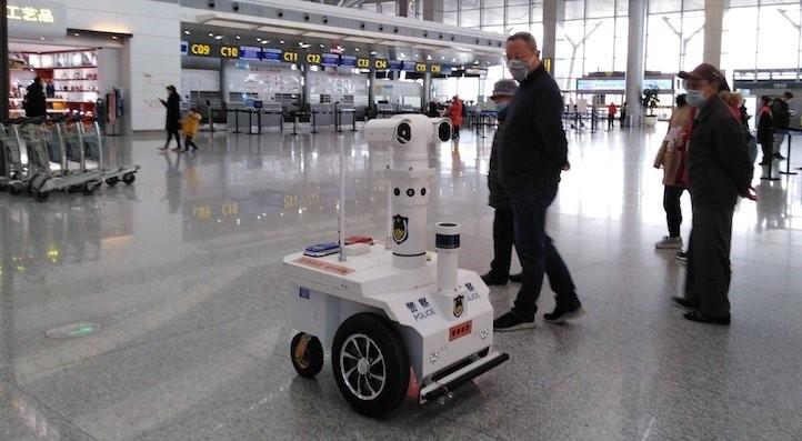 Connettività 5G contro il Coronavirus, dalla Cina arrivano i robot-poliziotto