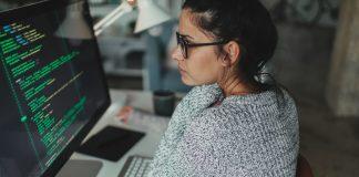 Gli effetti della pandemia hanno ostacolato la carriera per il 47% delle donne italiane