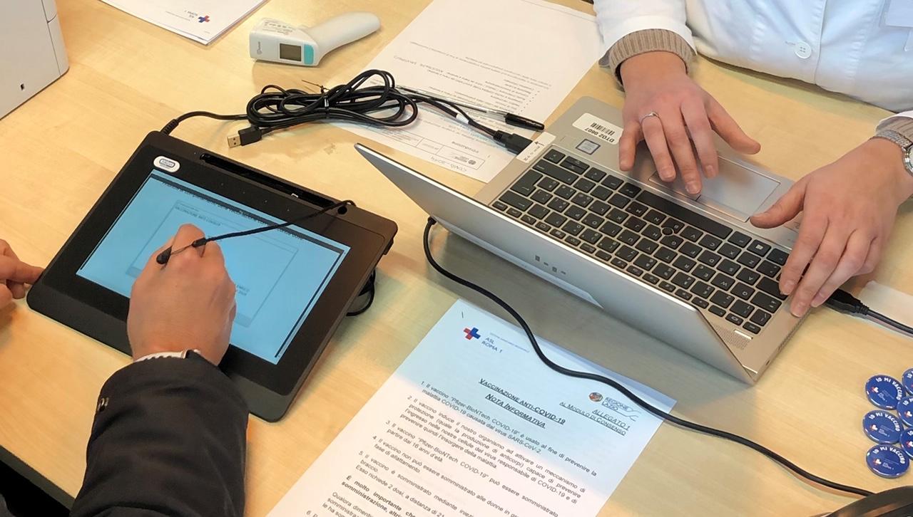 Vaccinazioni anti Covid: con InfoCert alla ASL Roma 1 il consenso informato è digitale