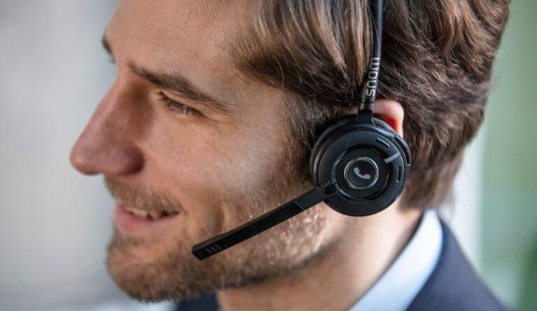 Con Snom gestisci le chiamate in maniera intelligente direttamente tramite l'headset DECT multicella A190