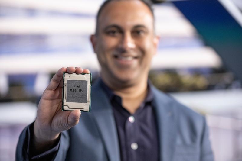 Intel lancia la sua piattaforma per data center più avanzata