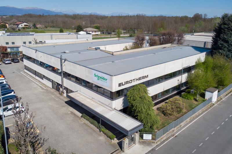 Schneider Electric: la sede di Eurotherm è il primo edificio italiano del gruppo a Zero CO2